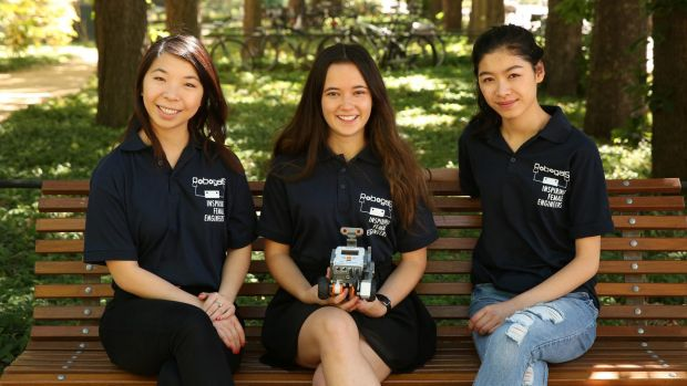 Yanny Li, Monika Berlot and Stephanie Nguyen from Robogals ANU