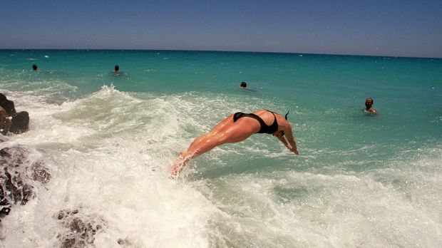 The temperature reached 39.8 degrees in Perth on Sunday.