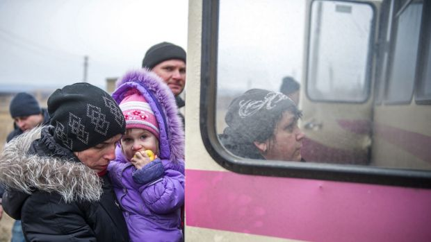 Refugees from Debaltseve get escape the pro-Russain separatist shelling.