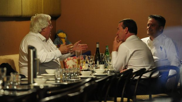 Clive Palmer meets Christopher Pyne and Mathias Cormann for dinner in Canberra