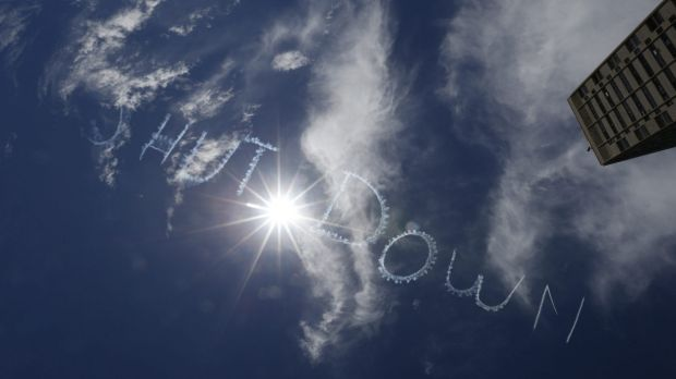 Skywriting over Sydney calling for the Manus Island detention centre to be shut down.