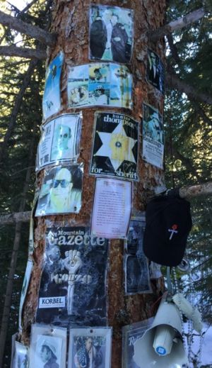 A makeshift shrine to Thompson in the woods of Aspen, Colorado.