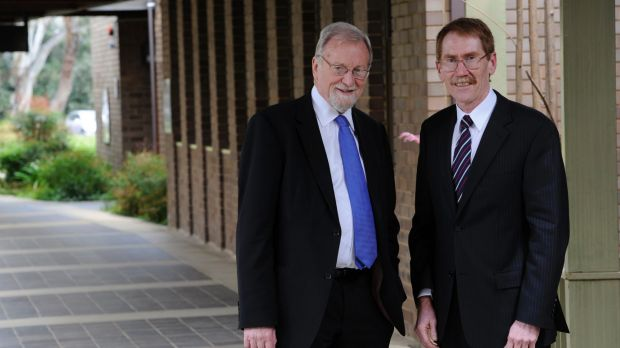 Chancellor Gareth Evans with outgoing Vice-Chancellor Ian Young.