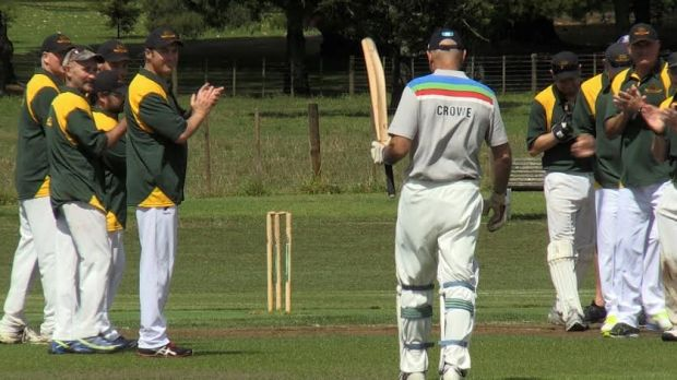 Local lad: Martin Crowe takes the plaudits at Cornwall Park in Auckland.