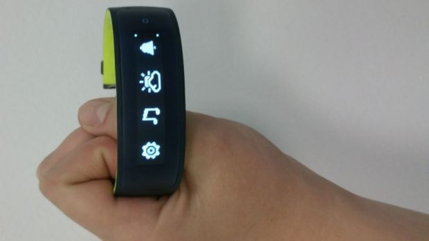 The HTC Grip is a GPS-enabled smart wearable compatible with Android and iOS.