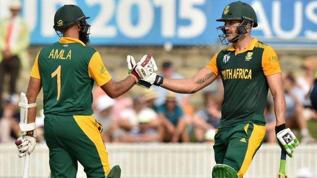 South Africa's Faf du Plessis (R) and Hashim Amla (L) both reached centuries at Maunka Oval.