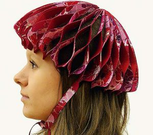The helmet is made from robust textiles that folds easily.