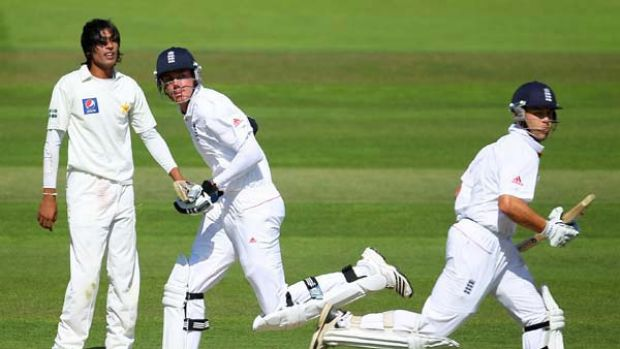 Stuart Broad and Jonathan Trott take a single during their world record stand of 332.