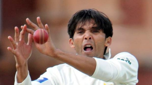 Suspect action ... Mohammad Asif is also accused of bowling deliberate no-balls in line with the predictions of the ...
