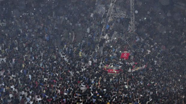 A mob of several thousand lynches a man accused of rape in Nagaland, India.