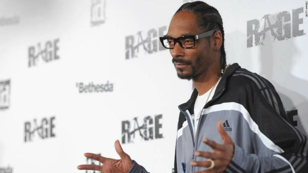 Snoop Dogg arrives at the launch party for id Software's shooter <i>Rage</i> in 2011.