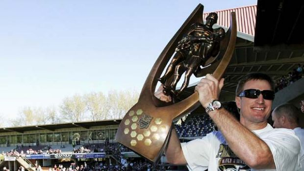 Steve Menzies celebrates with Manly fans at Brookvale Oval after winning the 2008 premiership.