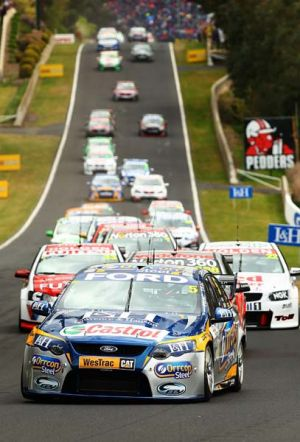 Mark Winterbottom leads the field at the start of the Bathurst 1000.