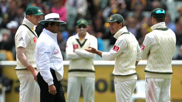 Not happy .... Ricky Ponting confronts umpire Aleem Dar after Kevin Pietersen was given not out.