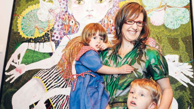 Del Kathryn Barton and her children with her Archibald winner.