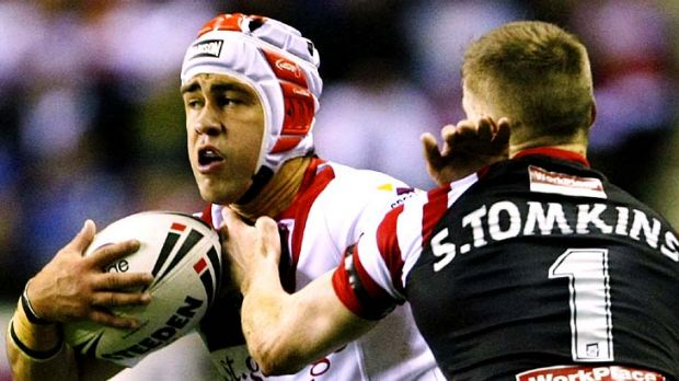 Jamie Soward fends off Sam Tomkins.