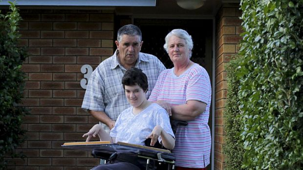 Denied help ... New Zealand migrants Dave and Glenda Campbell with their daughter Hannah.