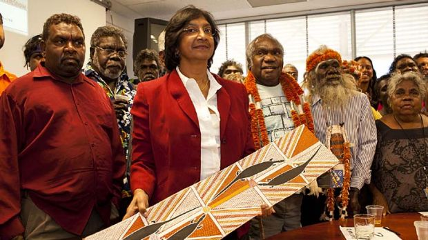 The UN High Commissioner for Human Rights Navi Pillay, meets with Aboriginal leaders at Charles Darwin University .