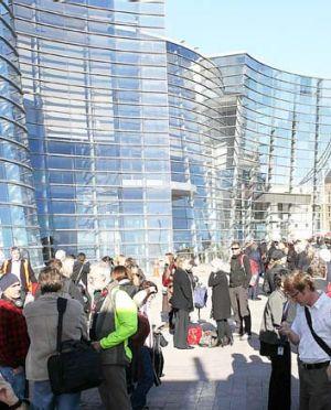 People evacuate the Christchurch Art Gallery.