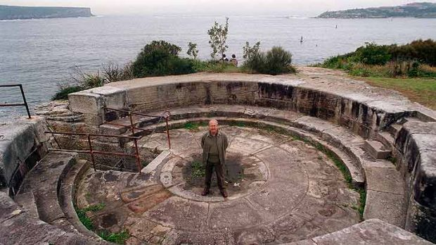 Gavin Souter ... the historian at the Middle Head battlements in 1996.