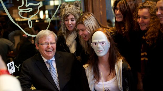 Former PM Kevin Rudd visits a cafe in the Max Brenner chain to object to call to boycott Jewish businesses. Picture: ...