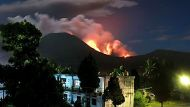 Thousands evacuated as volcano erupts (Video Thumbnail)
