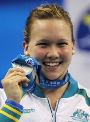 Kylie Palmer with her silver medal.