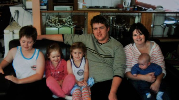 Jason Richards' wife Kelly (right) died after a routine operation. Richards Family L-R Andrew, 7, Phillipa, 6, Jacquin, ...