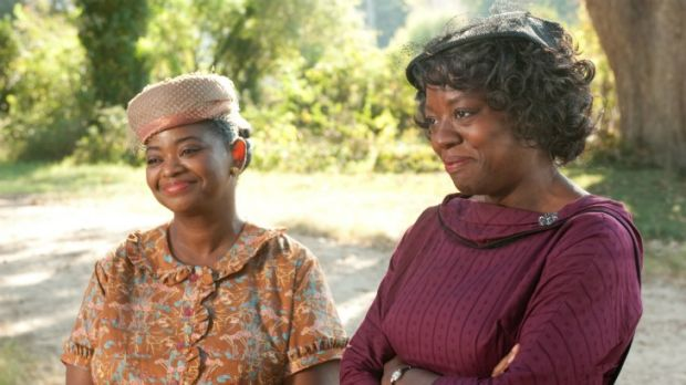 As Minny and Aibileen, Octavia Spencer (left) and lead actress Viola Davis star as two maids in search of a storyteller ...