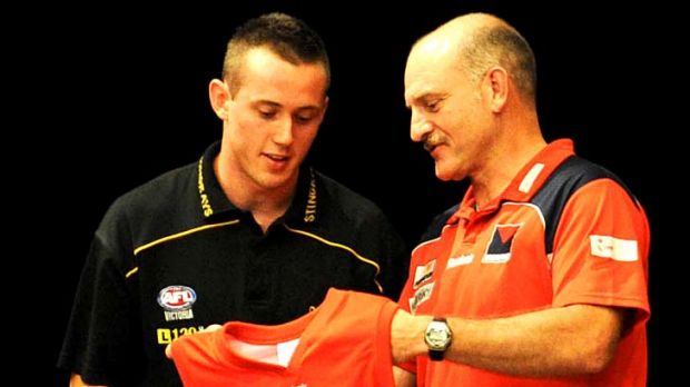 Tom Scully with Dean Bailey at the 2009 national draft.