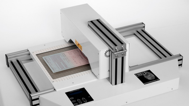 The thermal scanning device collects fingerprints just by heating the material.