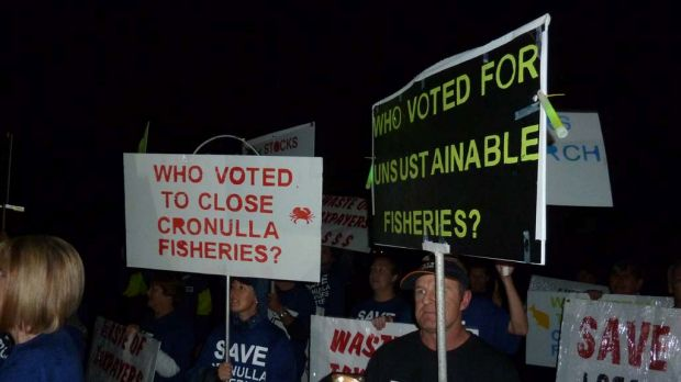 Workers from Cronulla Fisheries Research Centre and their families make a plea to Premier Barry O'Farrell to stop the ...