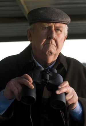 The right stuff ... the late Bill Hunter bestows a sense of occasion on the Melbourne Cup as horse trainer Bart Cummings.