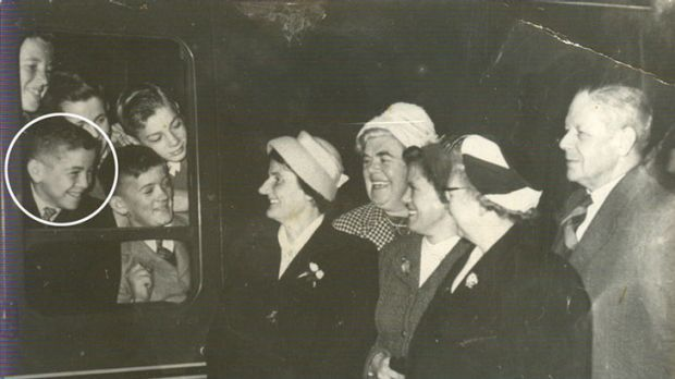 Hugh McGowan (circled) before leaving Glasgow, bound for London, then Australia in 1961.