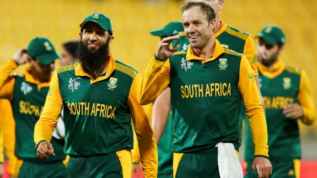 Hashim Amla (L) and AB de Villiers of South Africa are all smiles after beating the United Arab Emirates.