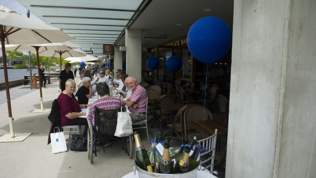 The blue themed Long Lunch for Asthma at the Kingston Foreshore
