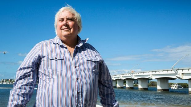 Clive Palmer has blasted the state government over its refusal to act as a loan guarantor.