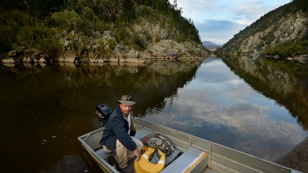 Field Officer Brett Peden on the Murrumbidgee River at Scottsdale Reserve.