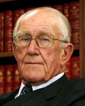 Malcolm Fraser: 'There ought to be a proper investigation.'
