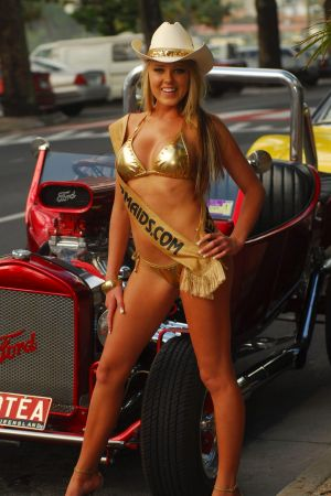Regular beachgoers are dressing in similar fashion to the Gold Coast's iconic Meter Maids, according to Bill O'Chee.