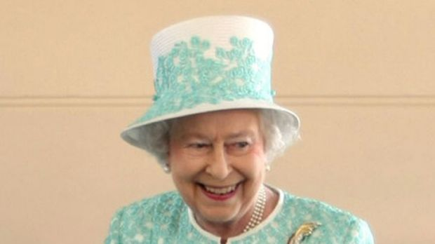 """""""What does the Queen carry in her handbag?"""""""