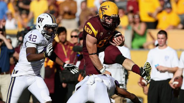 Arizona gridiron graduate Chris Coyle will train with the ACT Brumbies in May.