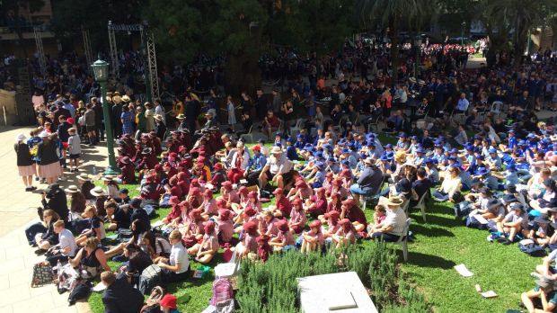 Queensland school students commemorate Anzac Day.
