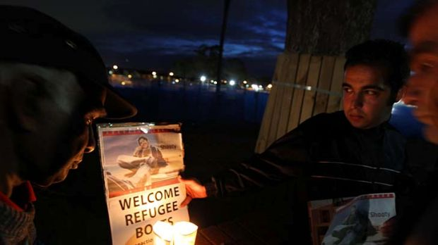 Candlelight vigil ... at Villawood detention centre in memory of Shooty, a Sri Lankan who took his life in the centre.