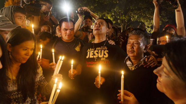 A midnight candlelight vigil held at Wijaya Pura in Cilacap on the day of the execution of Andrew Chan and Myuran Sukumaran.