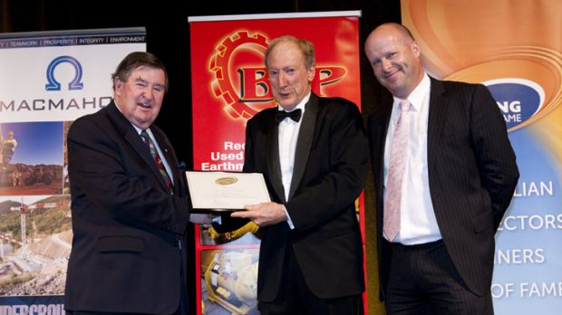 Peter Jones (Chairman Mining Hall of Fame), Ron Manners (Inductee), Andrew Govey (CEO Mining Hall of Fame)