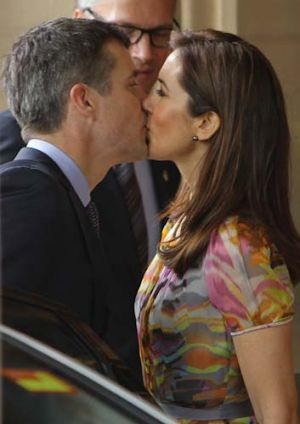 Special moment ... Mary and Frederik share a kiss.