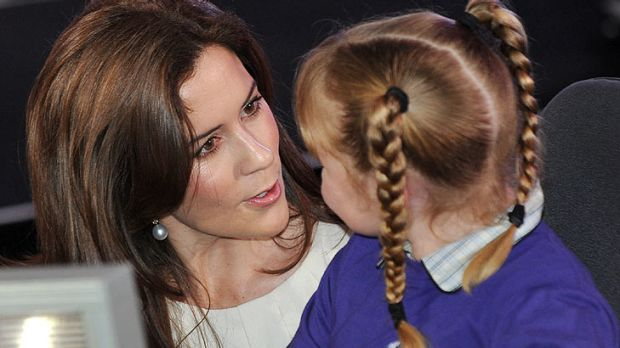 Princess Mary with a student at the Hume Global Learning Centre.