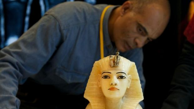 Melbourne Museum's blockbuster exhibition, Tutankhamun and the Golden Age of the Pharaohs, attracted 800,000 visitors ...