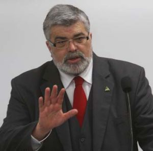 Former industry minister Kim Carr.